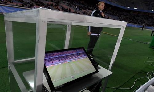 Картинки по запросу Видеоповторы в футболе