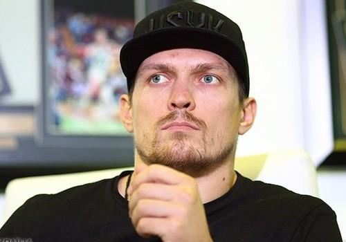 Усик получил российскую премию Легенда бокса